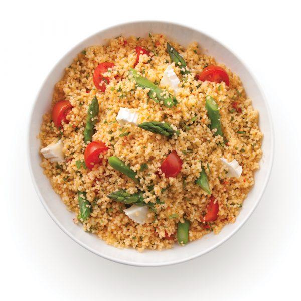 Couscous en salade avec asperges et fromage de chèvre