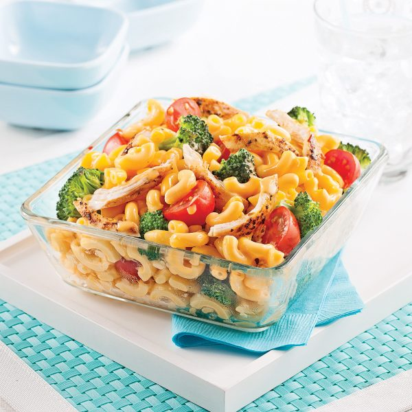 Macaroni primavera au poulet, sauce au fromage