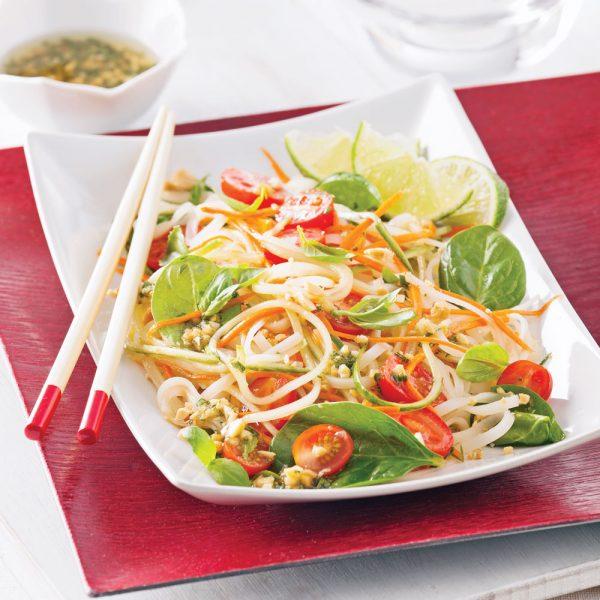 Salade de nouilles thaï et épinards