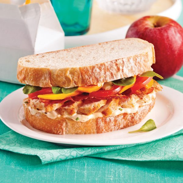 Sandwich au poulet et mangue, au parfum de César