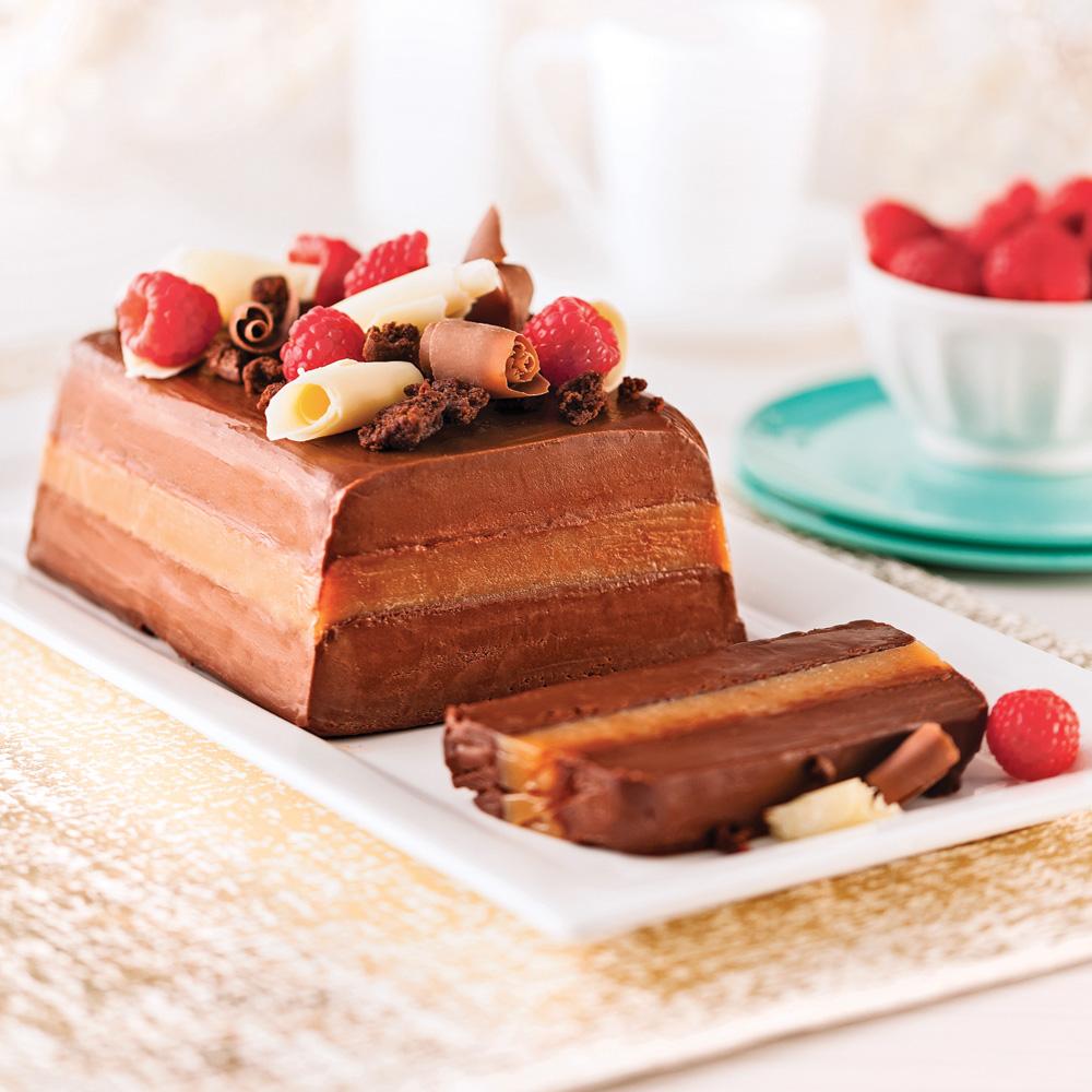 Bûche glacée à la mousse de chocolat, caramel et fleur de sel