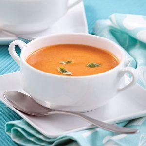 Potage rapide sans gluten aux tomates et basilic