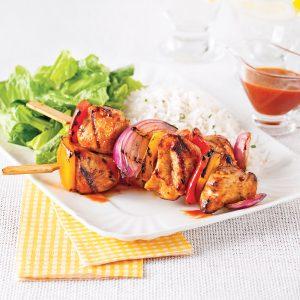 Brochettes de poulet, sauce côtes levées