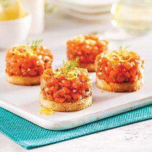 Tartare de saumon sur croustillant au parmesan