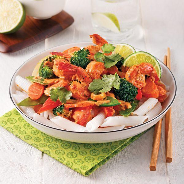 Sauté aux crevettes sur nouilles de riz