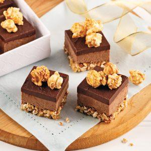 Fudge au chocolat et popcorn