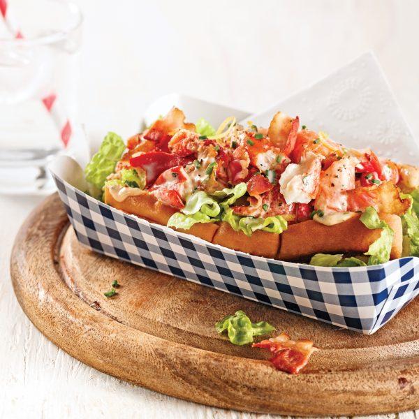 Lobster roll bacon et sriracha