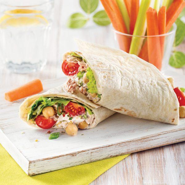Wrap au thon, pois chiches et tomates