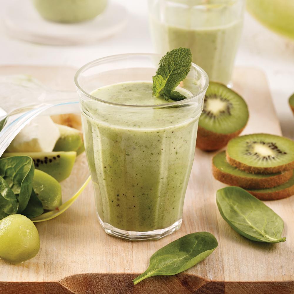 Smoothie vert aux kiwis, melon et menthe