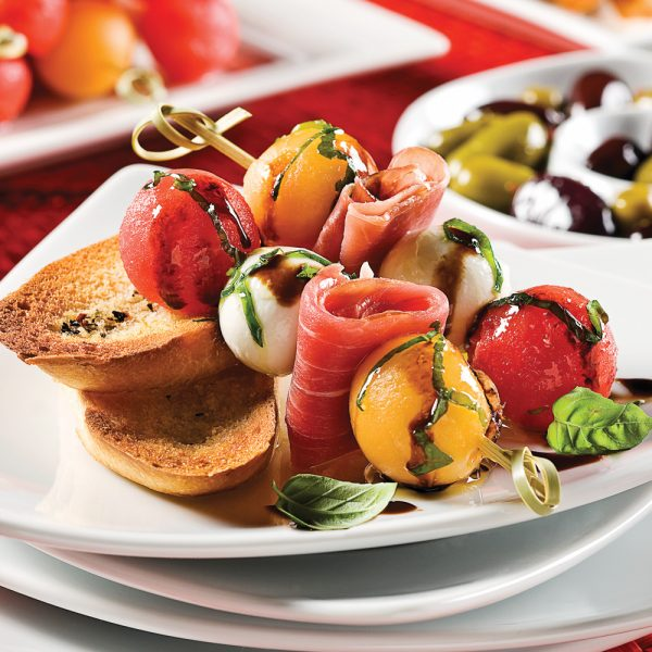 Brochettes de melon et bocconcinis