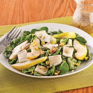 Salade de bébés épinards, poires et brie