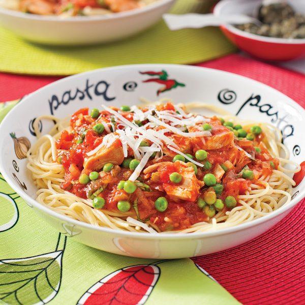 Spaghettis au thon, tomates et petits pois