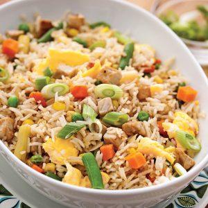 Riz frit aux légumes et porc