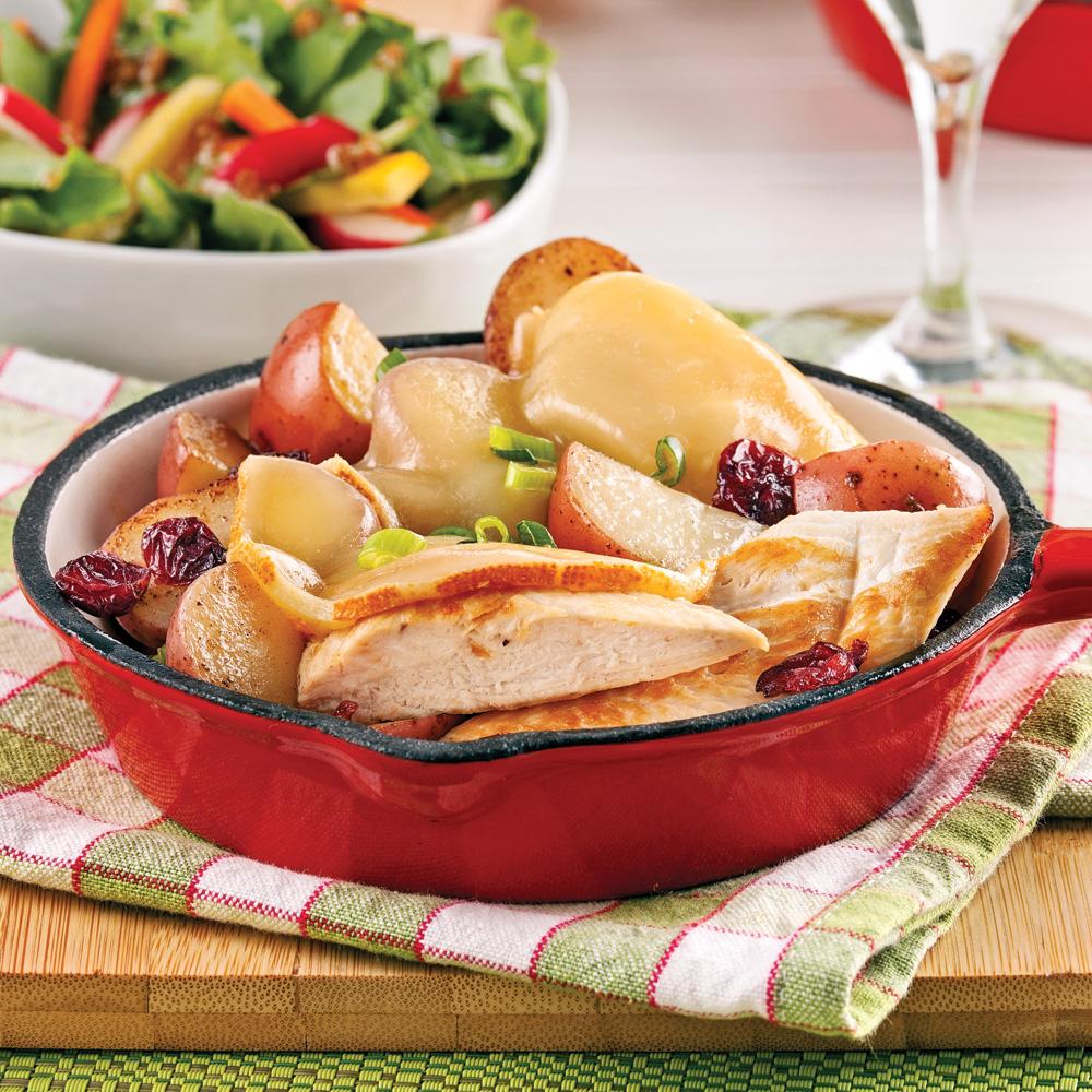 Raclette au poulet, canneberges et pommes de terre