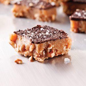 Carrés aux pacanes, caramel et chocolat