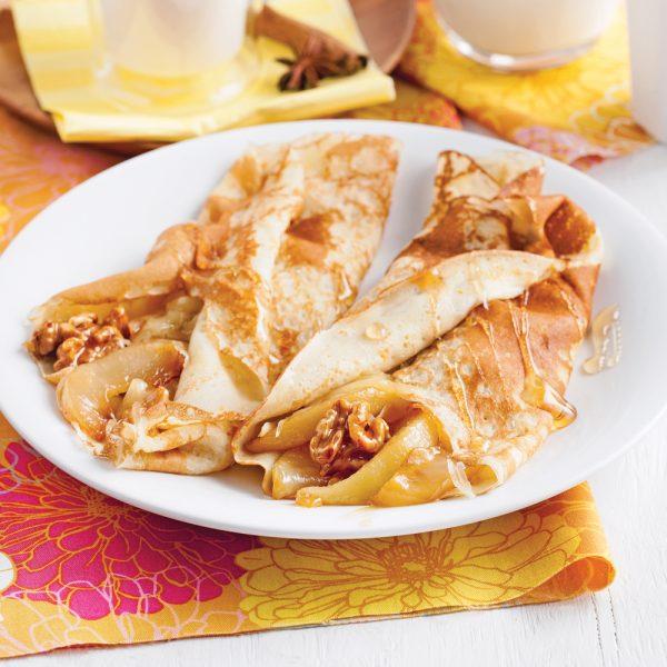 Crêpes aux poires caramélisées, cheddar fort et noix de Grenoble