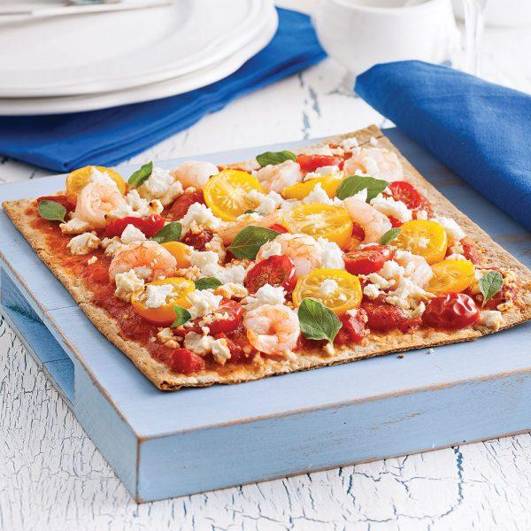 Pizzas de blé entier aux crevettes et feta