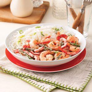 Sauté de crevettes, asperges et poivron en sauce