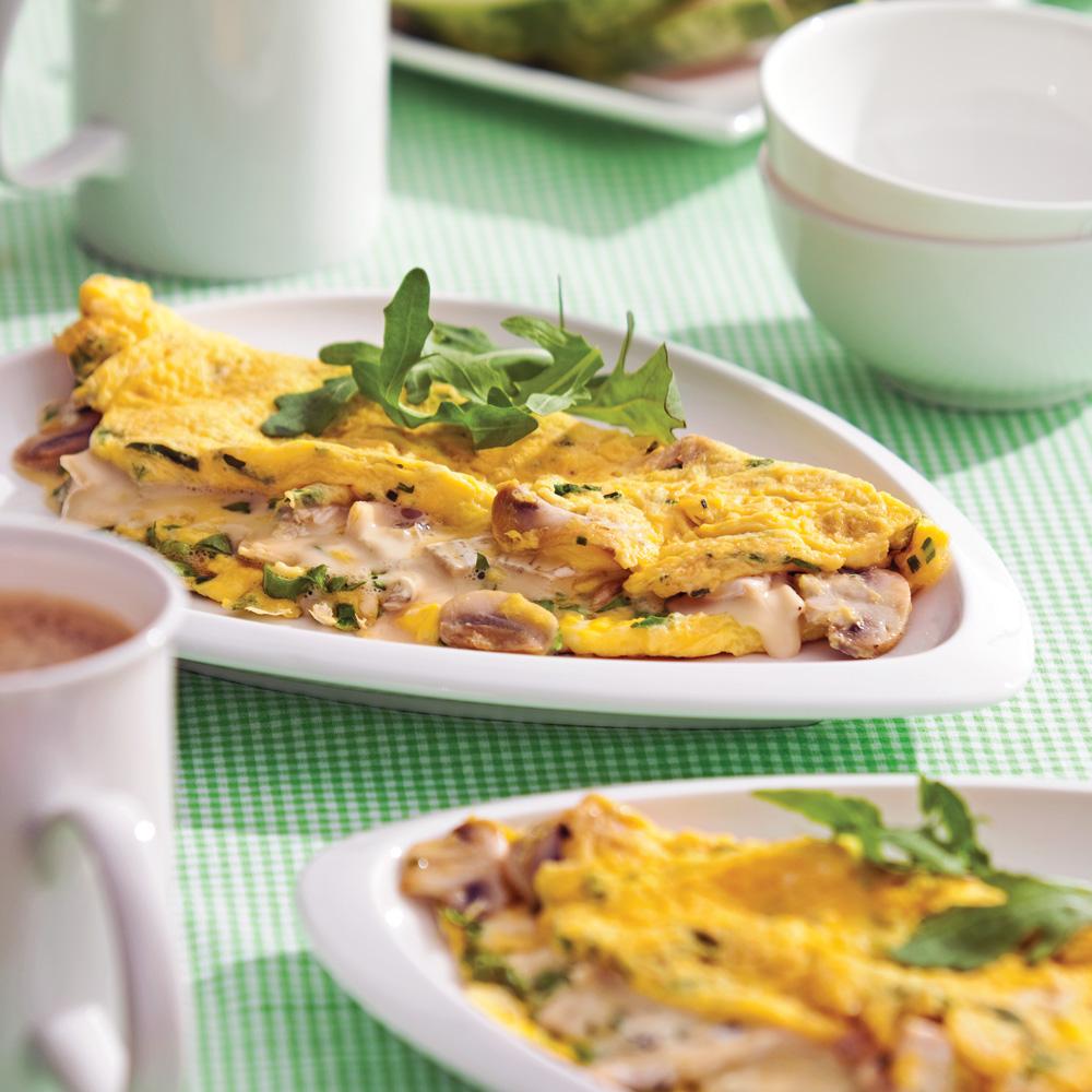 Omelette aux champignons, roquette et fromage bleu