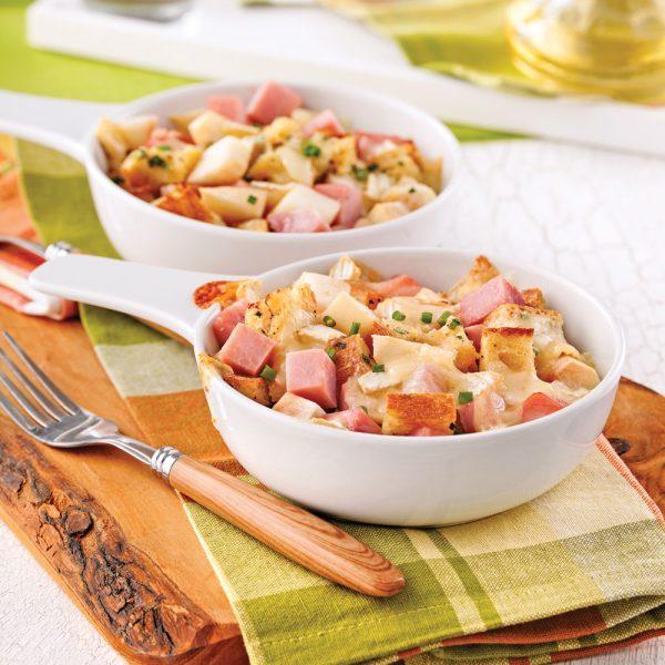 Casserole au jambon, brie et poires