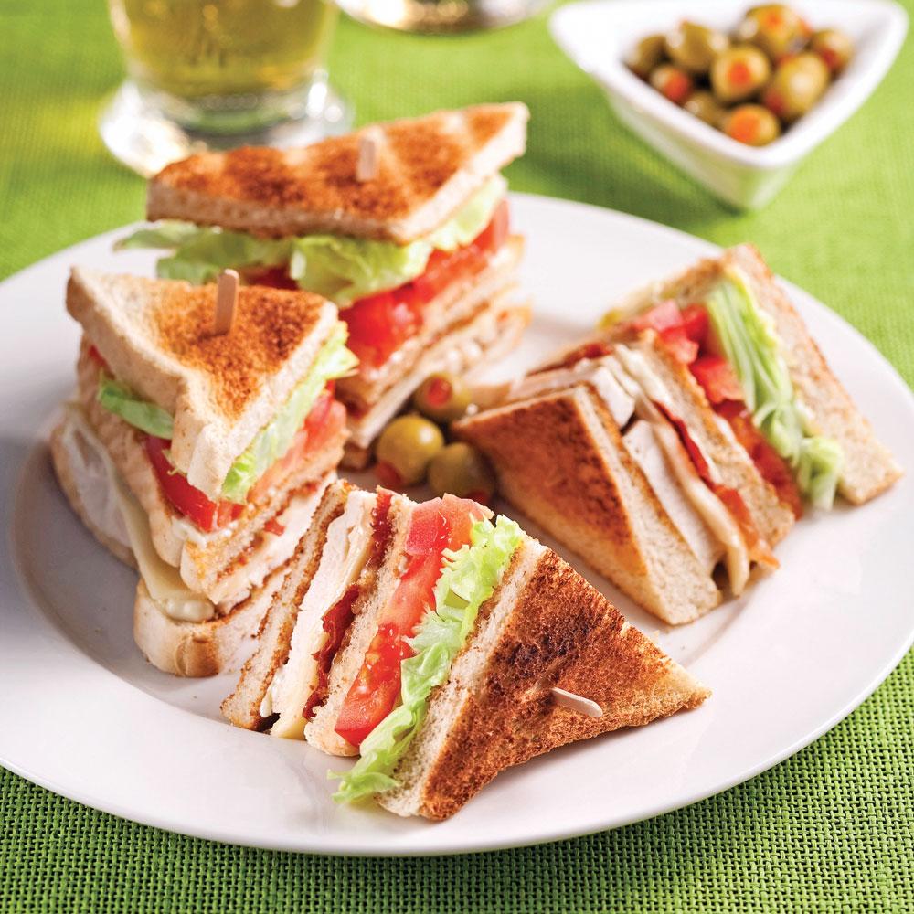 Club sandwich au poulet et prosciutto