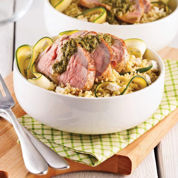 Couscous tiède au porc, pesto et feta