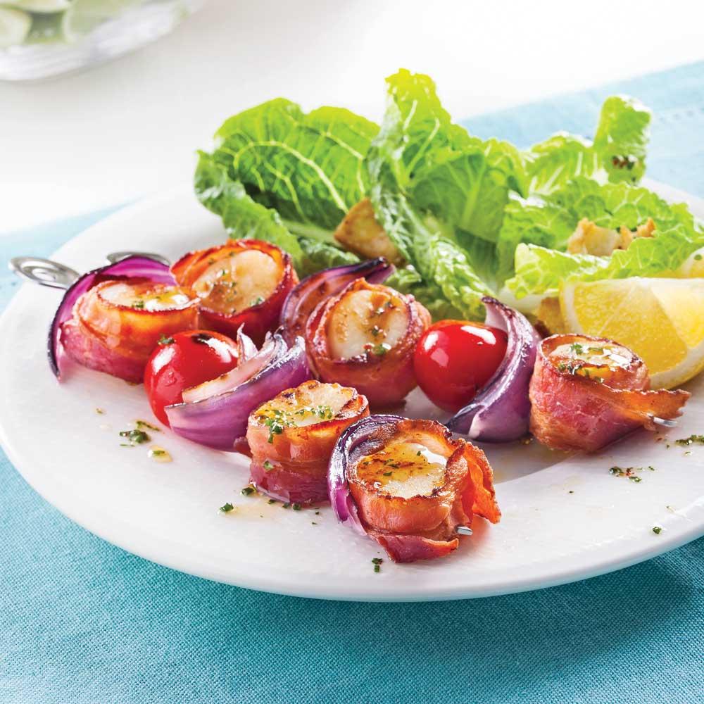 Brochettes de pétoncles au bacon et tomates cerises express