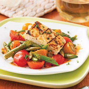 Halloumi grillé aux tomates et haricots verts