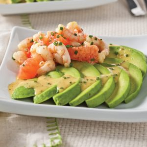 Salade d'avocats, crevettes et pamplemousse