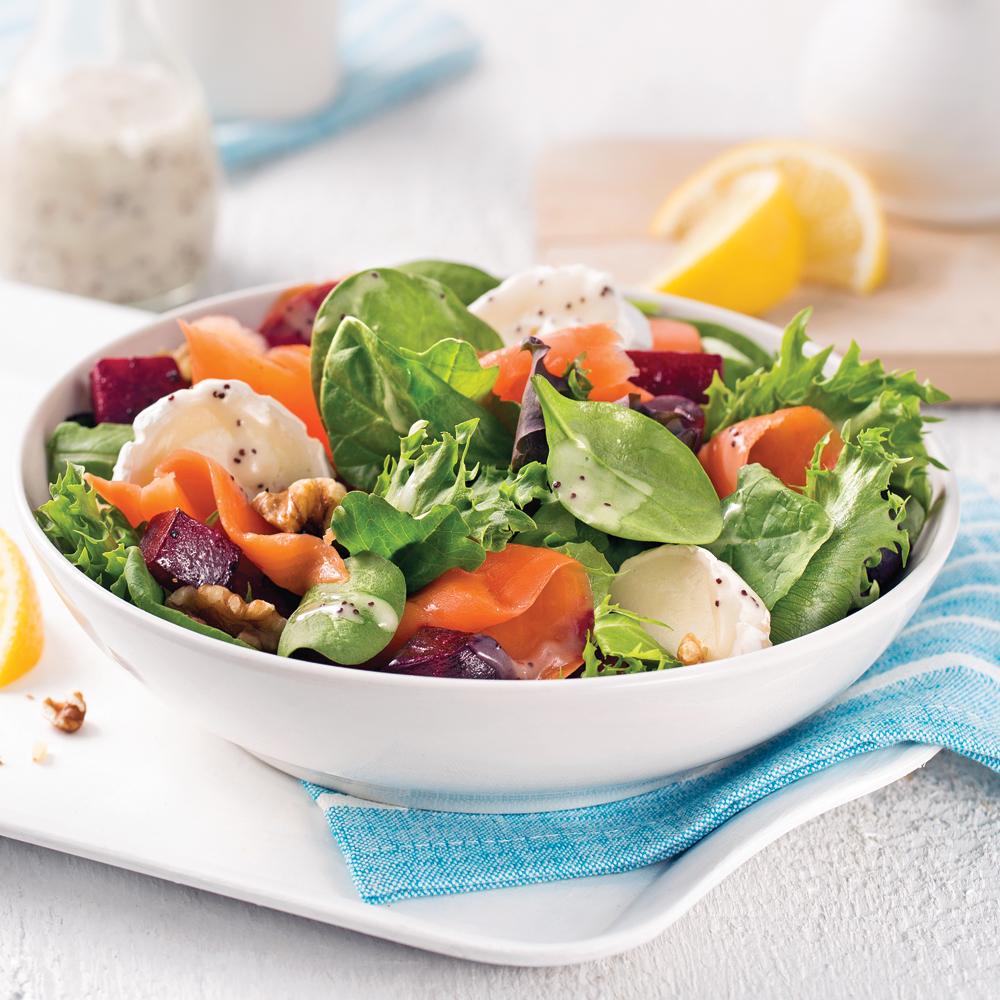 Salade tiède à la truite fumée et betteraves rôties