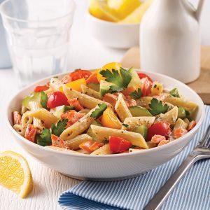 Salade de pâtes à la truite et aux légumes