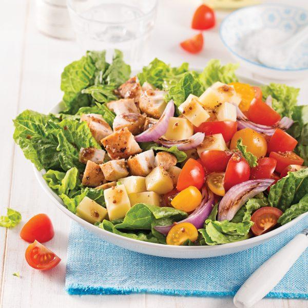 Salade de poulet, tomates et mozzarella