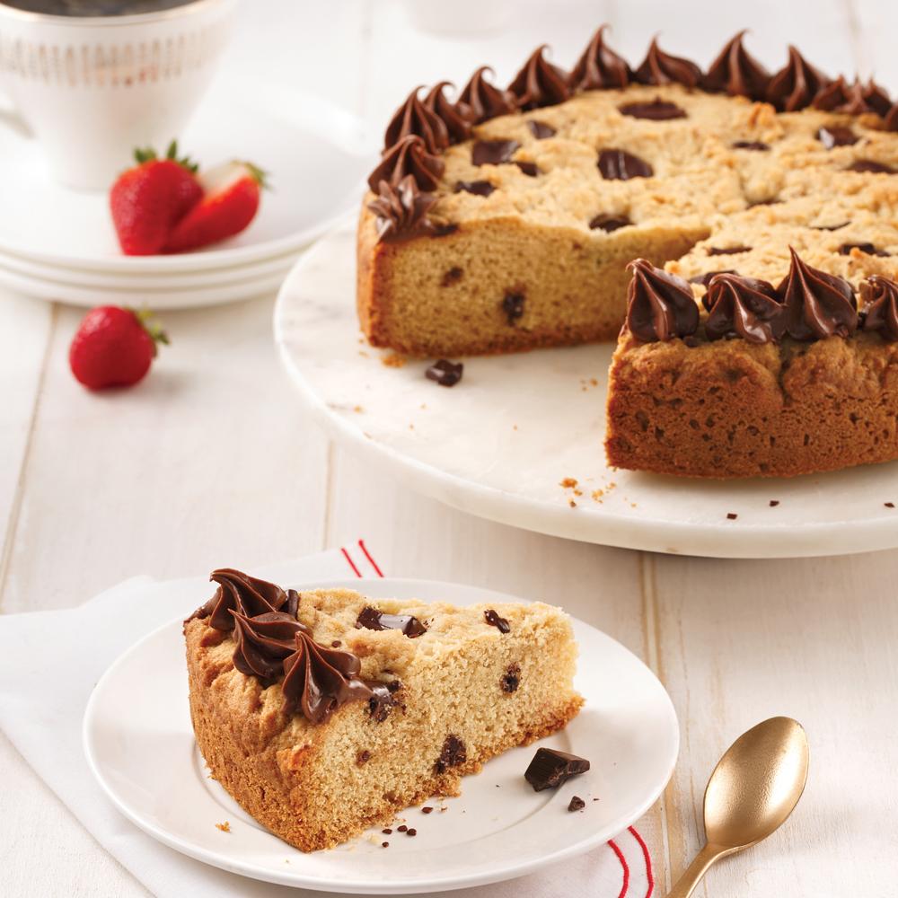 Gâteau-biscuit au chocolat dans la poêle