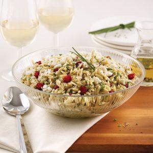 Salade d'orzo, feta et canneberges