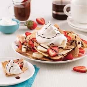Nacho dessert aux fraises, bananes et chocolat