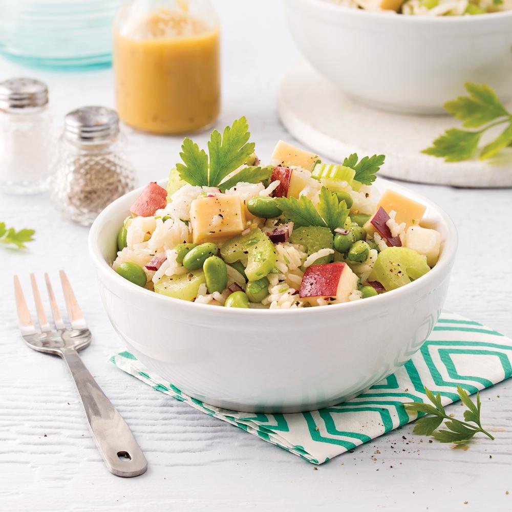 Salade de riz, pommes, edamames et gouda