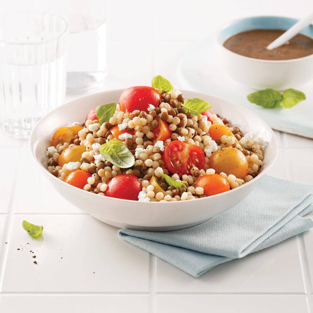 Salade de couscous israélien et lentilles