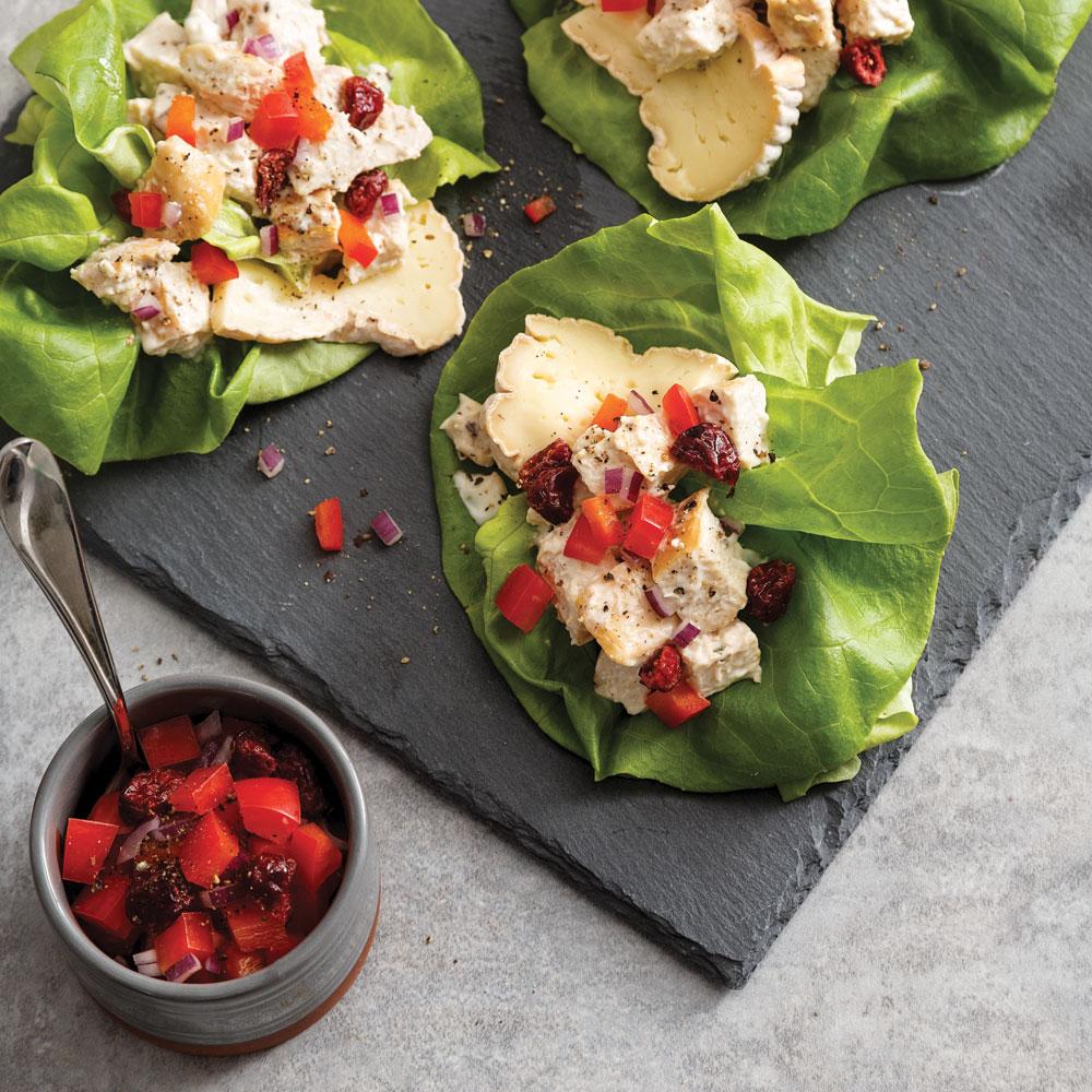Wrap de laitue à la salade de poulet et fromage Le Voyageur