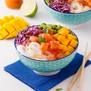 Poke bowl au saumon et mangue