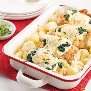 Casserole de poulet, pommes de terre et épinards