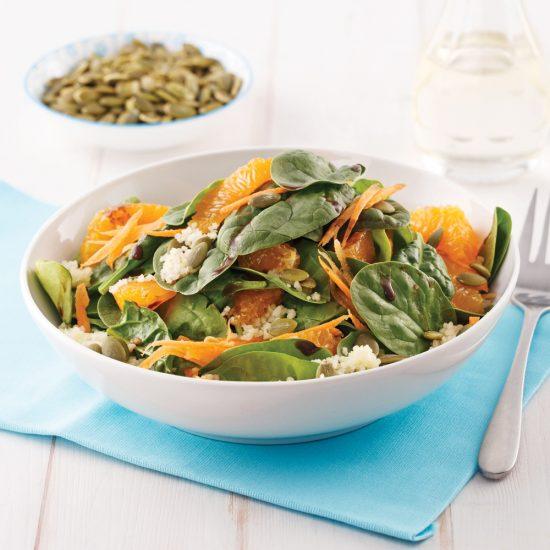 Salade énergisante au couscous, épinards et clémentines