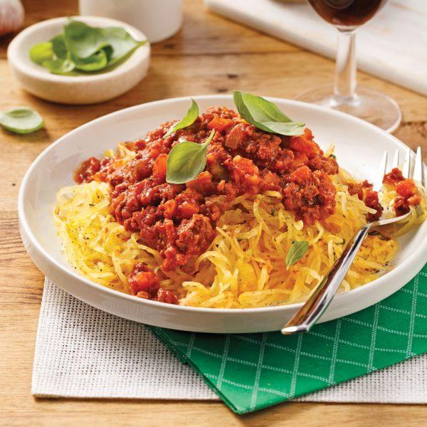 Courge spaghetti, sauce bolognaise à l'ail confit