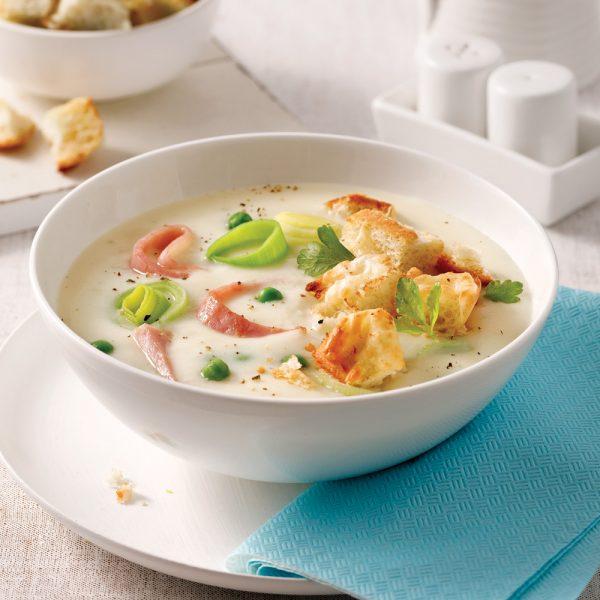Soupe crémeuse au jambon et croûtons gratinés