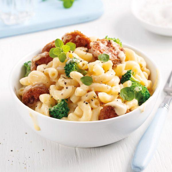 Macaroni au fromage et aux saucisses