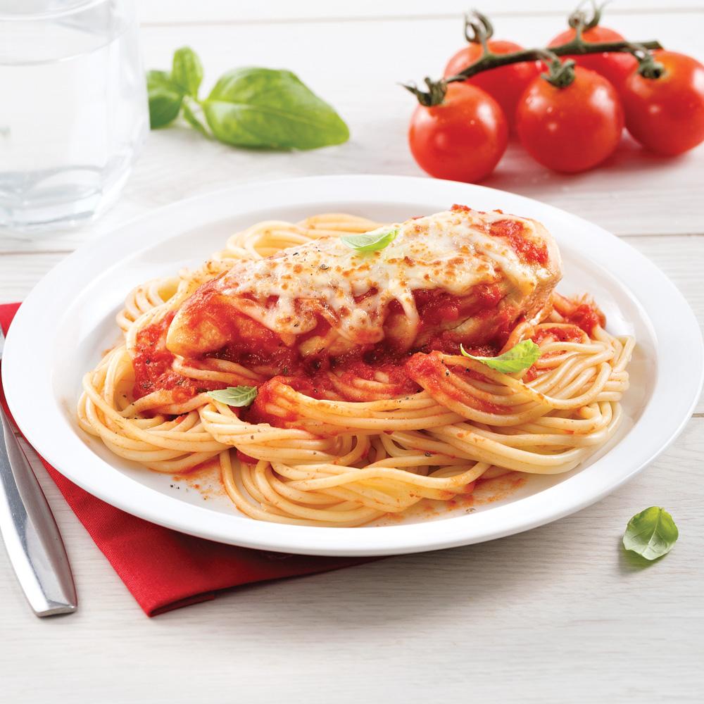 Poulet à la sauce tomate gratiné sur spaghettis
