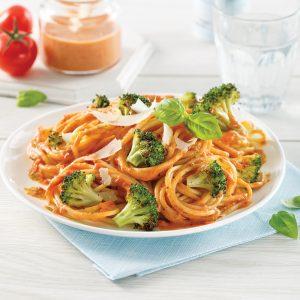 Spaghetti au brocoli rôti, sauce rosée au pesto