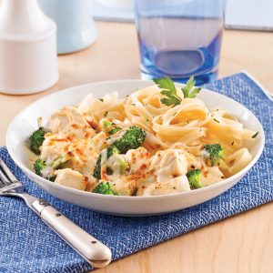 Casserole crémeuse de poulet et brocoli