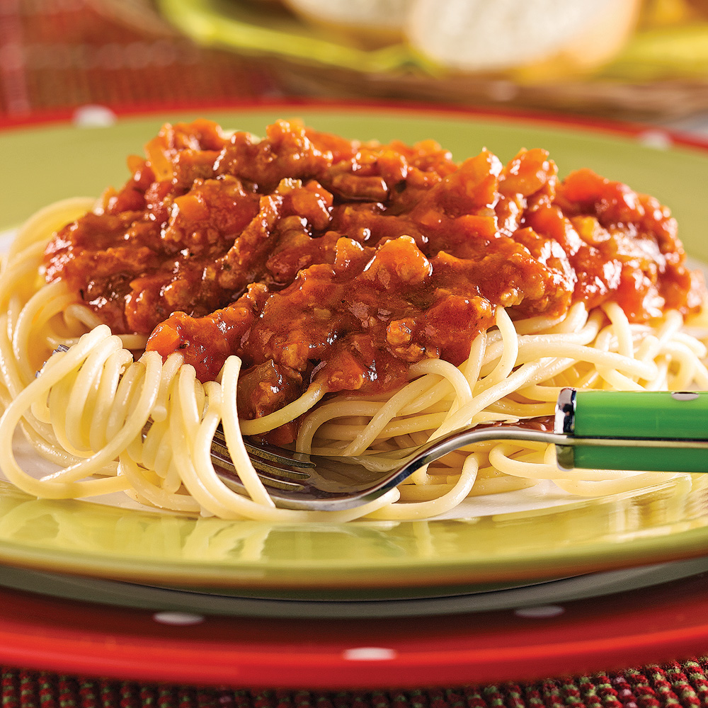 Spaghetti With Meat and Vegetable Sauce