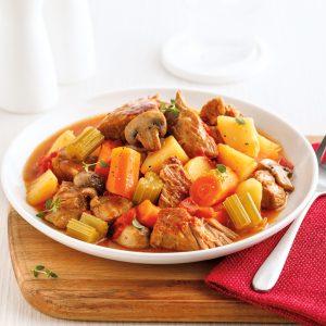 Ragoût de veau de grain et légumes à l'autocuiseur