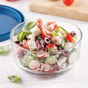 Salade de concombres crémeuse au yogourt et crevettes